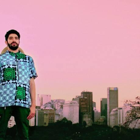 Omulu: o produtor carioca fez uma versão rasteirinha para uma música do rapper americano 50 Cent Foto: Divulgação / Divulgação