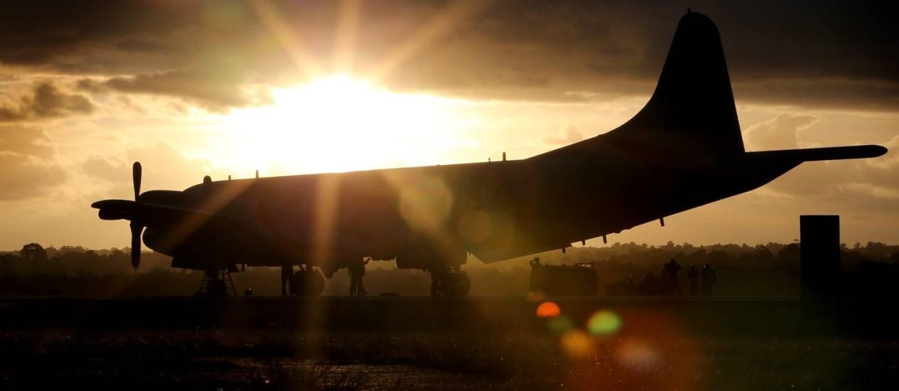 Avião sul-coreano P3 Orion chega a Base Aérea em Bullsbrook, cerca de 35 quilômetros ao norte de Perth Foto: STR / AFP