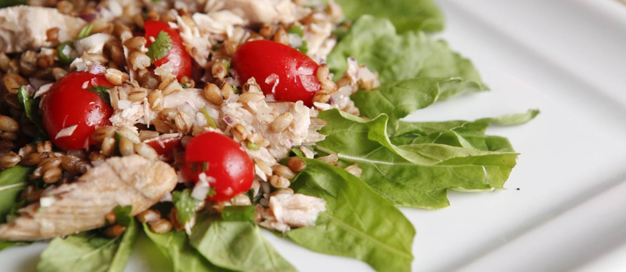 Na dieta almoço leve, mas só até as 13h Foto: Arquivo