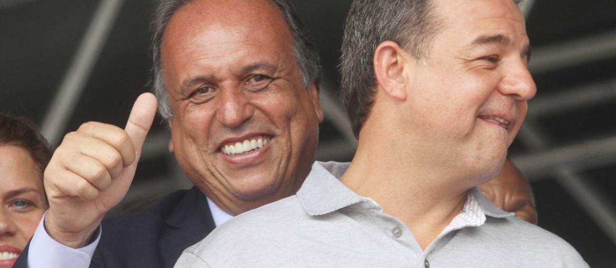 Sérgio Cabral e Luiz Fernando Pezão Foto: Alexandro Auler / Agência O Globo (01/12/2013)