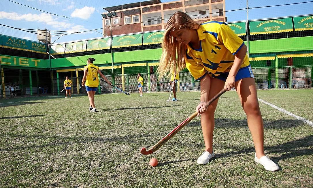 Sucesso. O número de praticantes de hóquei na grama cresceu no colégio Percepção após a conquista em 2013 Foto: Freelancer / Pedro Teixeira