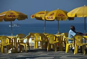 Barracas com a marca da Skol na praia de Ipanema Foto: Dado Galdieri / Bloomberg