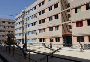 Um dos prédios entregues aos desabrigados, no bairro Viçoso Jardim Foto: Agência O Globo