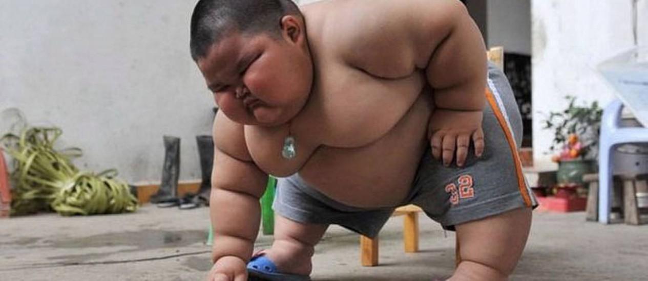 O chinês Lu Hao, de 3 anos e quase 60 kg Foto: Arquivo - 22/03/2011