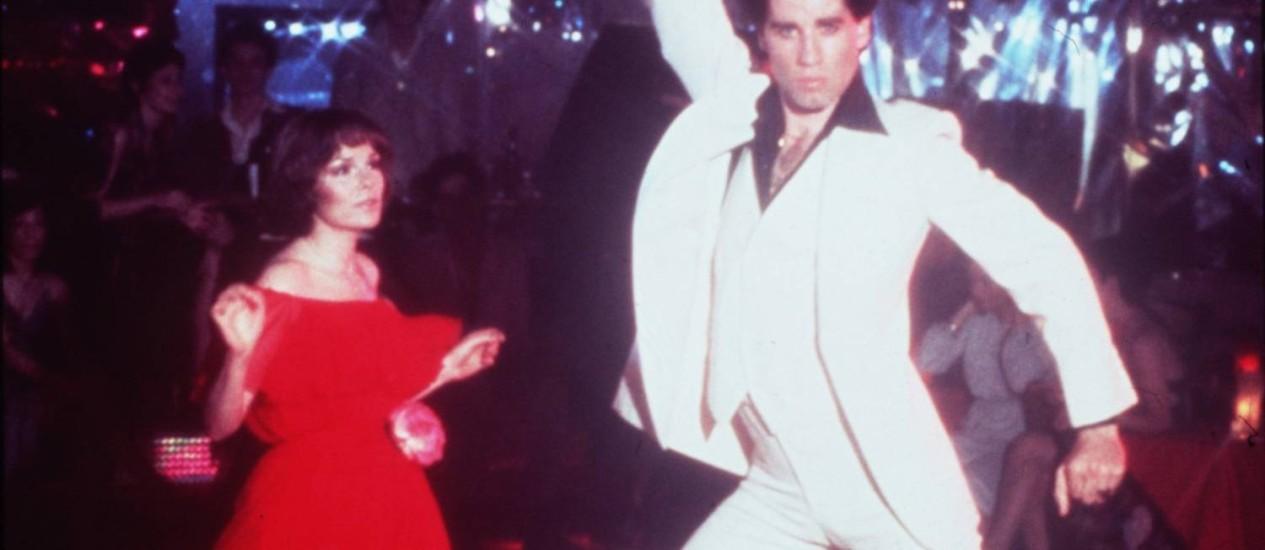 """John Travolta como Tony Manero no filme """"Os embalos de sábado à noite"""" Foto: Divulgação"""