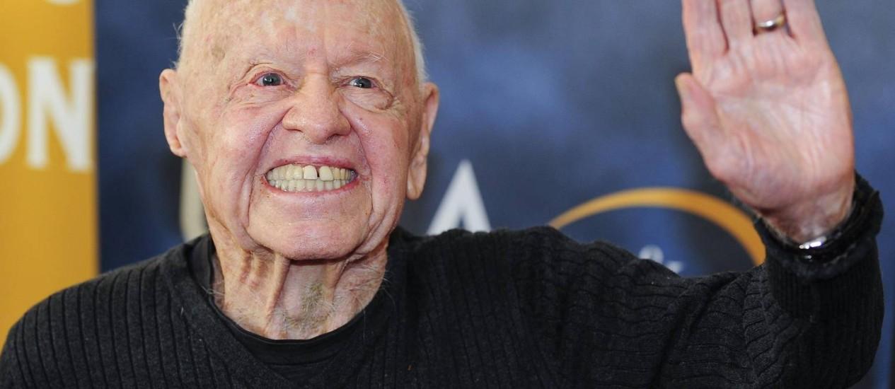 """O ator Mickey Rooney na estreia mundial do restaurado """"A morte de um caixeiro-viajante"""", em Los Angeles, em 2013 Foto: GUS RUELAS / REUTERS"""