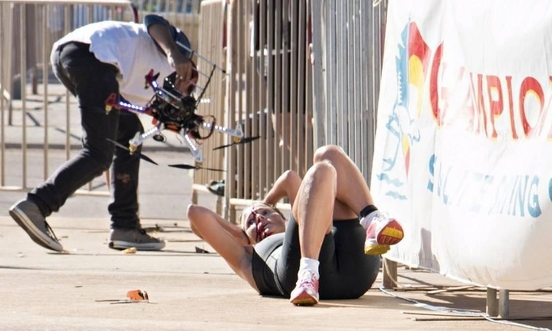Atleta estava a poucos metros da linha de chegada quando o drone caiu Foto: Reprodução/Browning Media