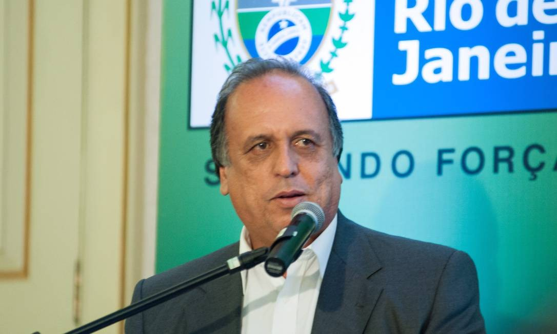 Governador e pré-candidato do PMDB Luiz Fernando Pezão Foto: Agência O Globo - Arquivo: 23/03/14