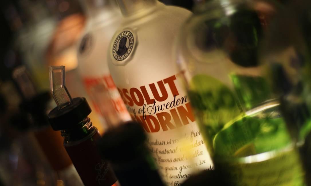 Menção a bebidas em músicas está ligada a consumo de álcool por adolescentes Foto: MARIO TAMA/AFP /