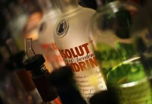 Menção a bebidas em músicas está ligada a consumo de álcool por adolescentes Foto: MARIO TAMA/AFP