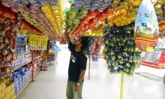 Ovos à venda em supermercado Foto: Luís Alvarenga / Extra