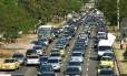 Frota de veículos deve dobrar até 2030 e emissões de CO² preocupam