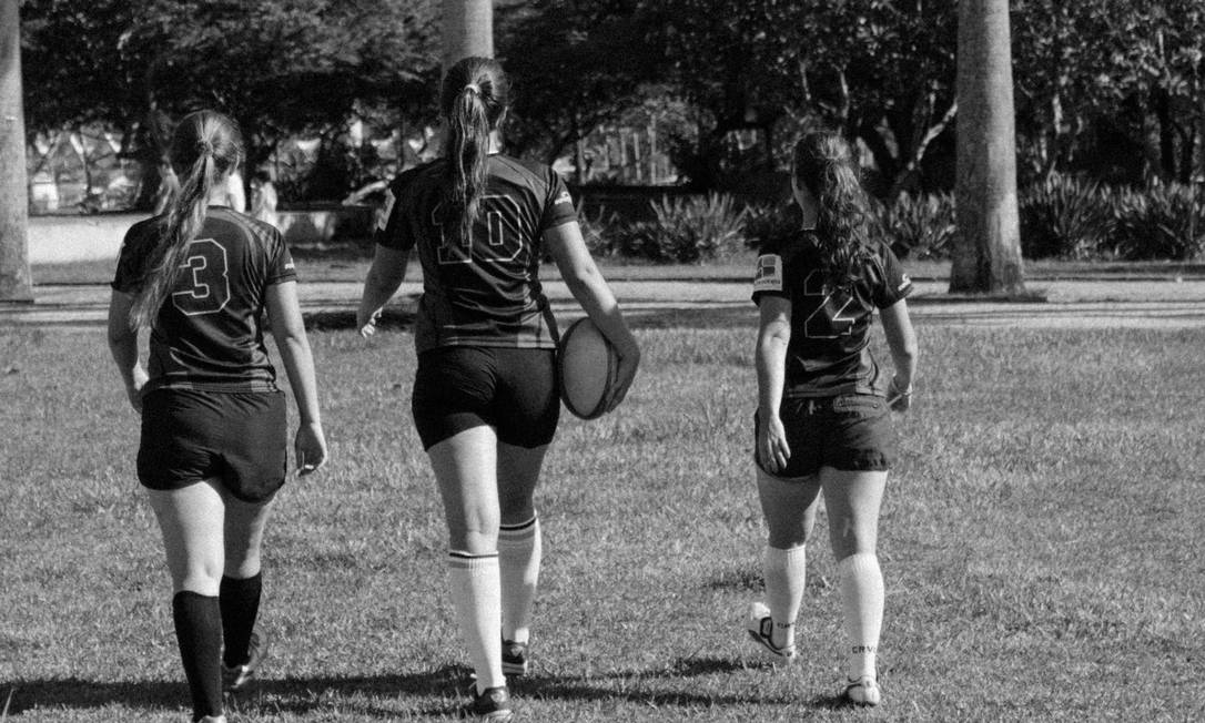 """Apesar do jogo """"bruto"""", as garotas do rúgbi seguem vaidosas Foto: Thompson Stellet / Divulgação"""