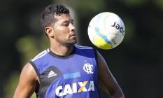 André Santos deve voltar ao time do Flamengo neste domingo Foto: Márcio Alves / Agência O Globo