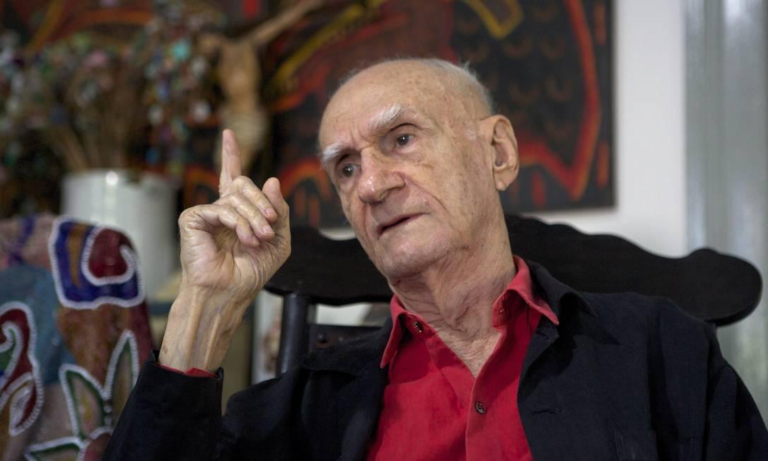 Ariano Suassuna fala sobre politica em sua casa em Pernambuco Foto: Hans von Manteuffel / Agência O Globo