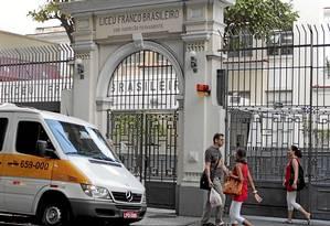 A fachada do Liceu Franco-Brasileiro, que registrou um caso de desmaio em que um aluno bateu com a cabeça e sofreu escoriações Foto: Marcelo Piu