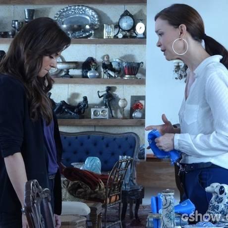 Clara cogita assumir o amor por Marina e jogar tudo para o alto Foto: Divulgação/ TV Globo