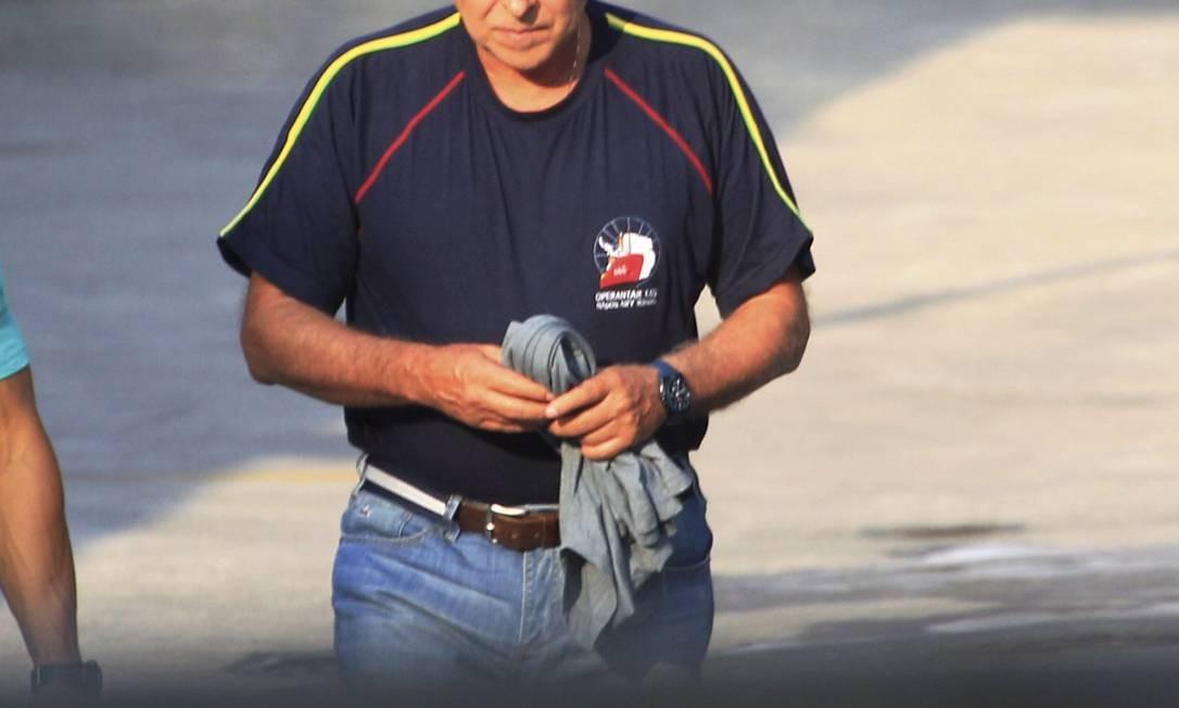 Paulo Roberto Costa, ex-diretor de Abastecimento da Petrobras, ao ser preso pela Polícia Federal Foto: / Marcelo Piu / Agência O Globo