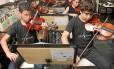 Alunos de projeto musical em Ciep da Maré, no Rio: tempo integral