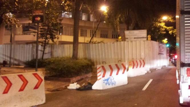 Obra da Cedae é alvo de reclamação em Copacabana - Foto: Foto do leitor Leonardo Sobral Pitanga Santos / Eu-Repórter