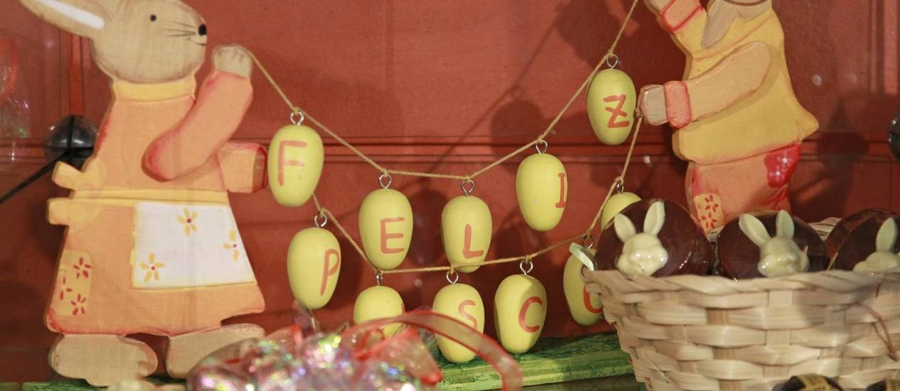 Ovos e coelhinhos. Na loja Chocolate D'Teresópolis, os produtos de Páscoa são variados Foto: Márcio Alves / Marcio Alves