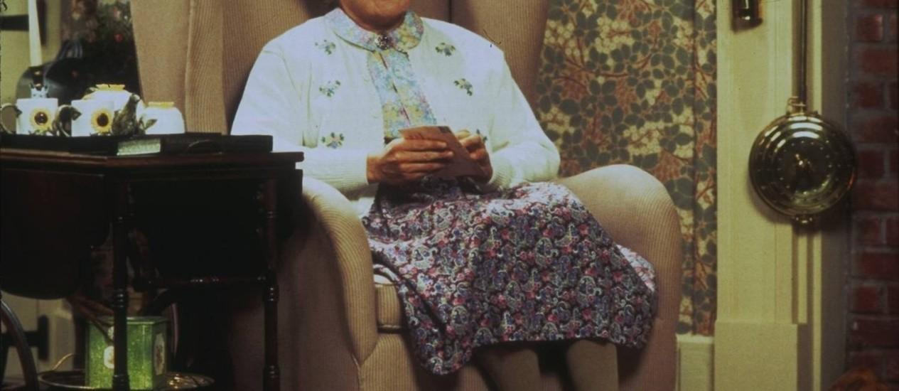 A cuca vem pegar. O astro Robin Williams na pele (e nas ceroulas) de Euphegenia Doubtfire Foto: Divulgação