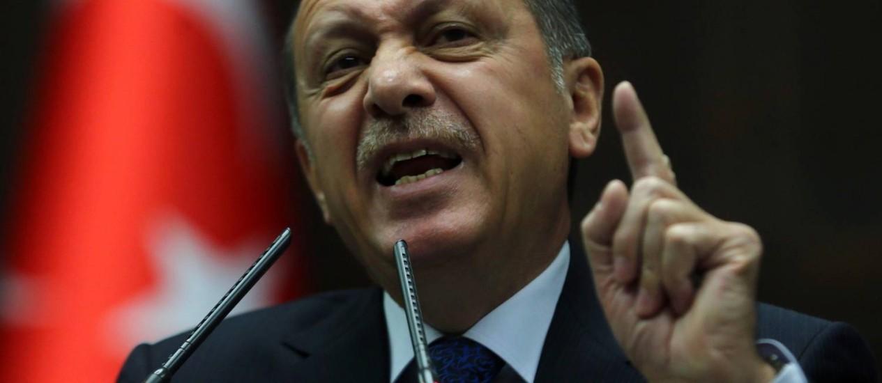 Recep Tayyip Erdogan. Parlamento aprovou aumento de poderes ao Serviço Secreto após denúncias de corrupção contra o partido do primeiro-ministro Foto: ADEM ALTAN / AFP