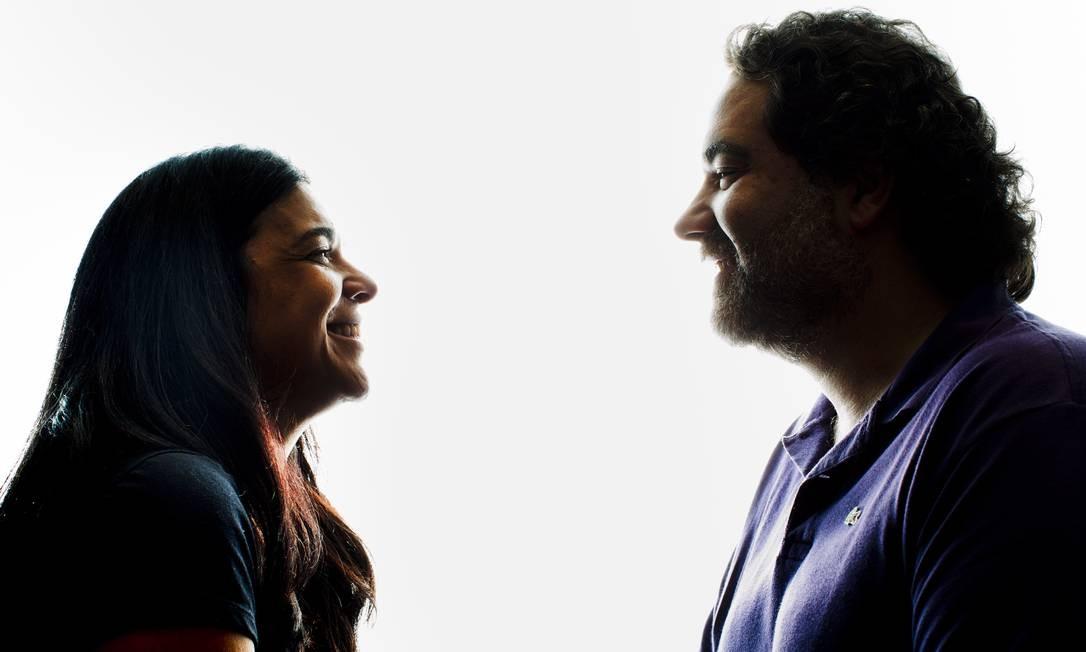 Os autores Izabel de Oliveira e Filipe Miguez Foto: / Simone Marinho