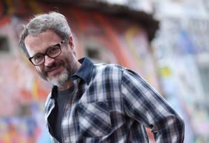 O ator Leonardo Medeiros está no ar na novela Em família Foto: Divulgação/ Gustavo Lourenção