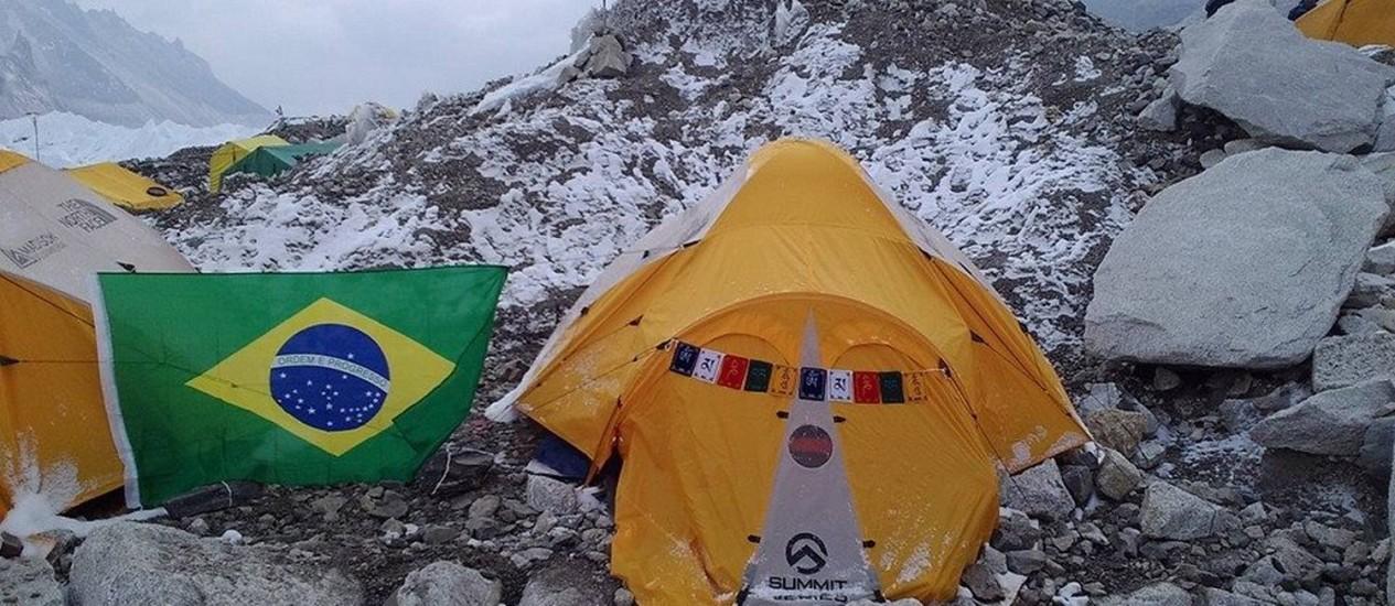 Barraca de Rosier Alexandre em seu acampamento no Everest Foto: Reprodução