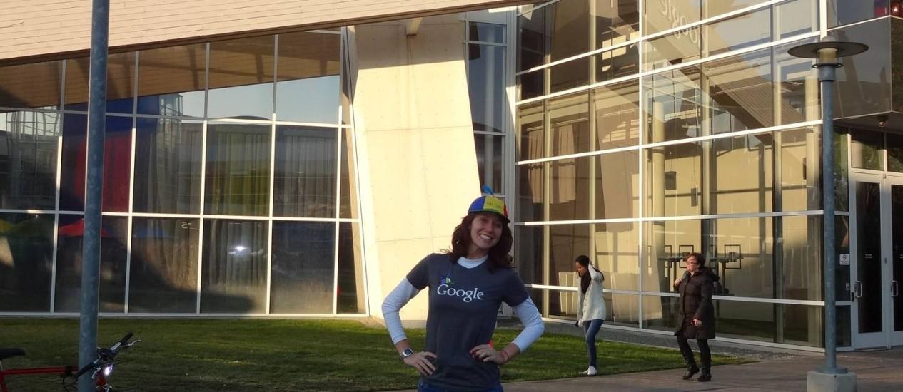 Camila Achutti, de 22 anos, foi a única formanda da última turma de Ciência da Computação da USP e foi convidada para estagiar na Google após criar blog sobre presença feminina no setor Foto: Arquivo Pessoal