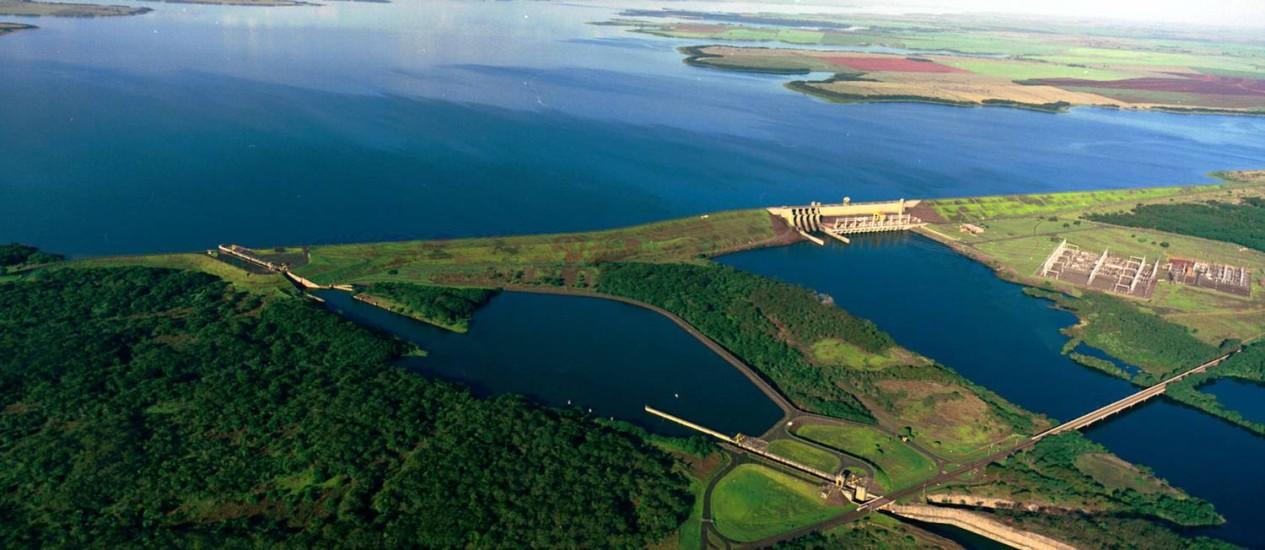 Usina hidrelétrica de Três Irmãos, em Pereira Barreto (SP) Foto: Divulgação / Divulgação