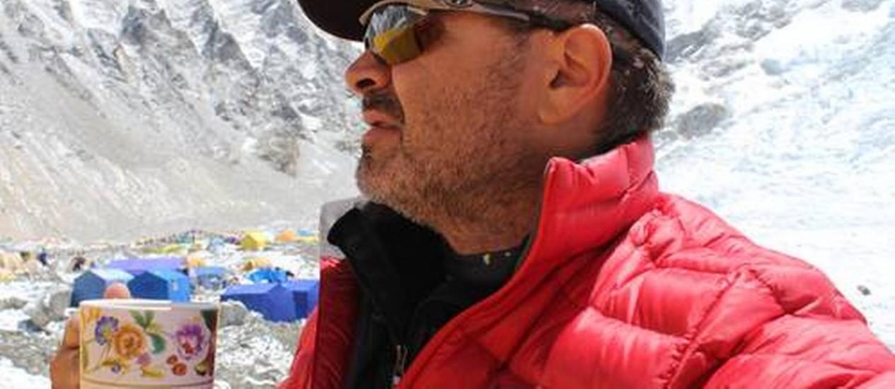 Alpinista brasileiro diz que não pretende interromper projeto de chegar ao topo do monte Foto: Divulgação