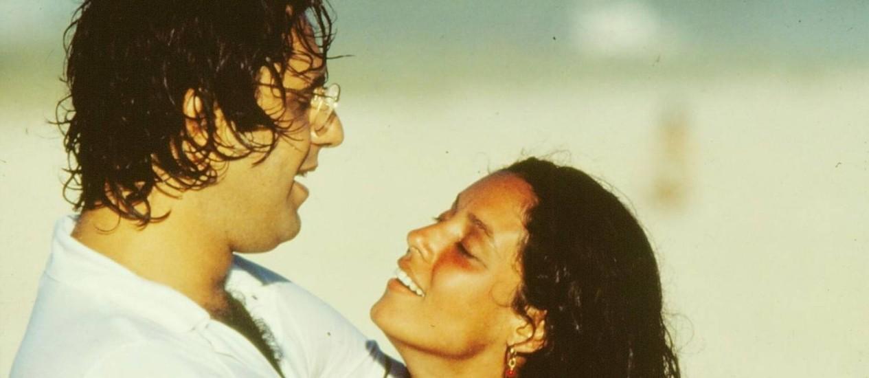 Antonio Fagundes (Cacá) e Sônia Braga (Júlia) vivem um romance cheio de idas e vinda Foto: Nelson Di Rago / Agência O Globo