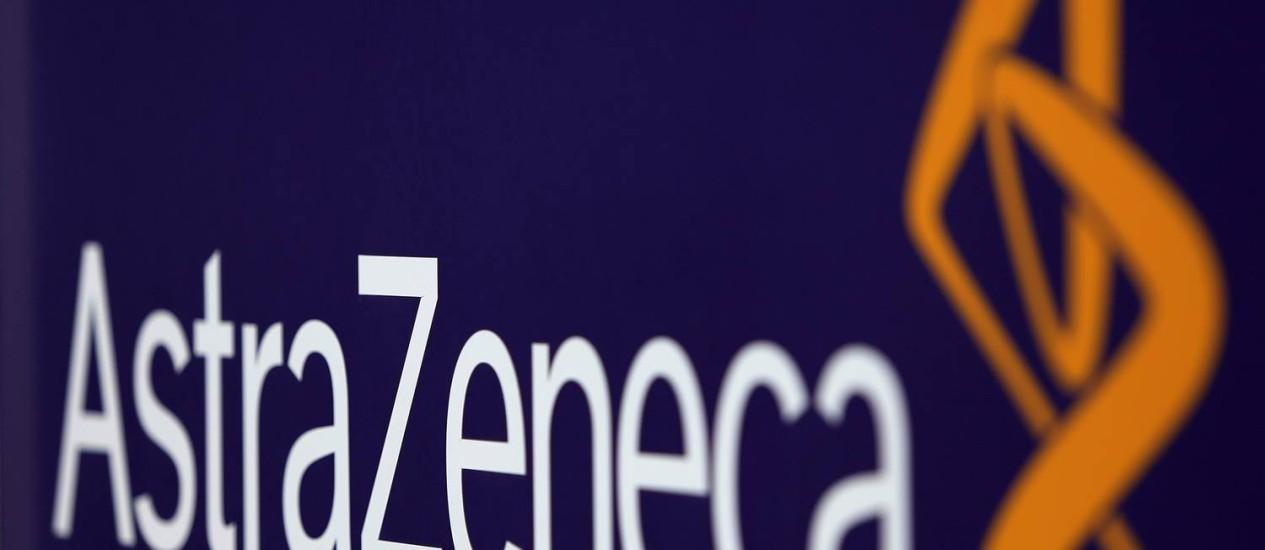 Logo da AstraZeneca em uma fábrica britânica: Pfizer teria feito oferta de US$ 101 bilhões Foto: Paul Thomas/Bloomberg