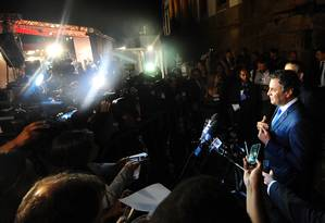Senador tucano Aécio Neves dá entrevista coletiva Foto: Divulgação