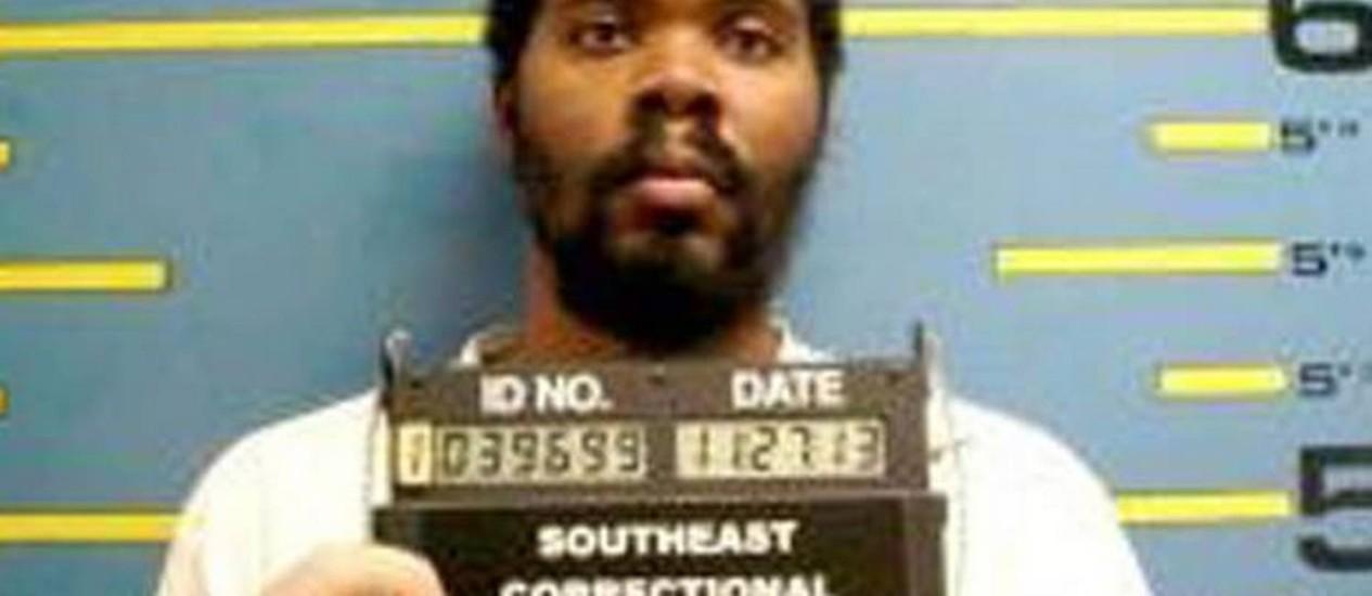 Condenado por assalto, Mike Anderson foi orientado a aguardar instruções para cumprir a pena, que seria de 13 anos: Justiça só percebeu que ele não foi preso quando chegou o momento de libertá-lo Foto: Reprodução