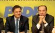 Aécio Neves ao lado do também senador tucano Aloysio Nunes