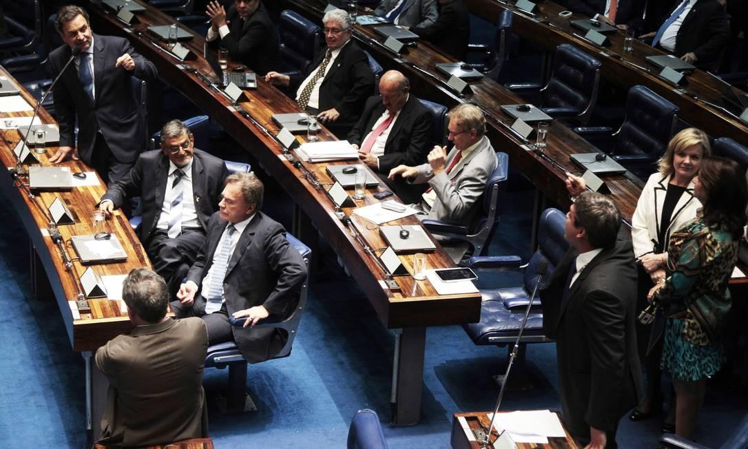 Senadores aprovam o Marco Civil da Internet Foto: Jorge William / O Globo