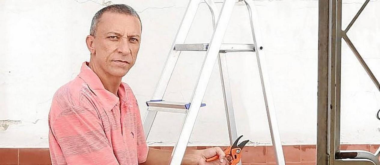 Leandro Rocha sofreu contusão nas costas após cair da escada Foto: Camilla Maia