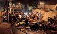 Ladeira Saint Romain ficou tomada de objetos incendiados