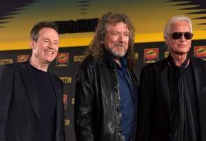 John Paul Jones, Robert Plant e Jimmy Page, do Led Zeppelin Foto: ADRIAN DENNIS / AFP