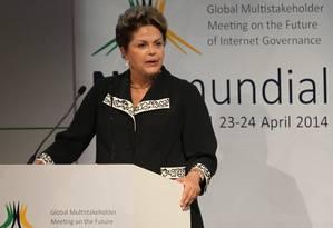 Dilma Rousseff na abertura do evento Net Mundial em São Paulo Foto: Marcos Alves / Agência O Globo