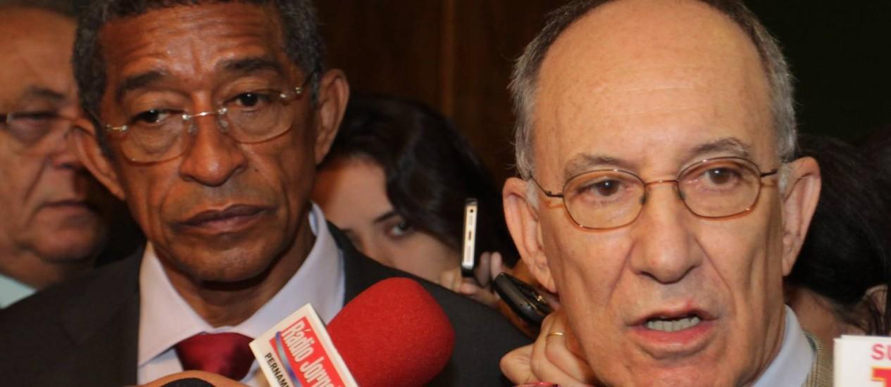 Rui Falcão diz que esgotou argumentos com André Vargas e que PT continua 'pagando o pato' Foto: Ailton de Freitas / O Globo