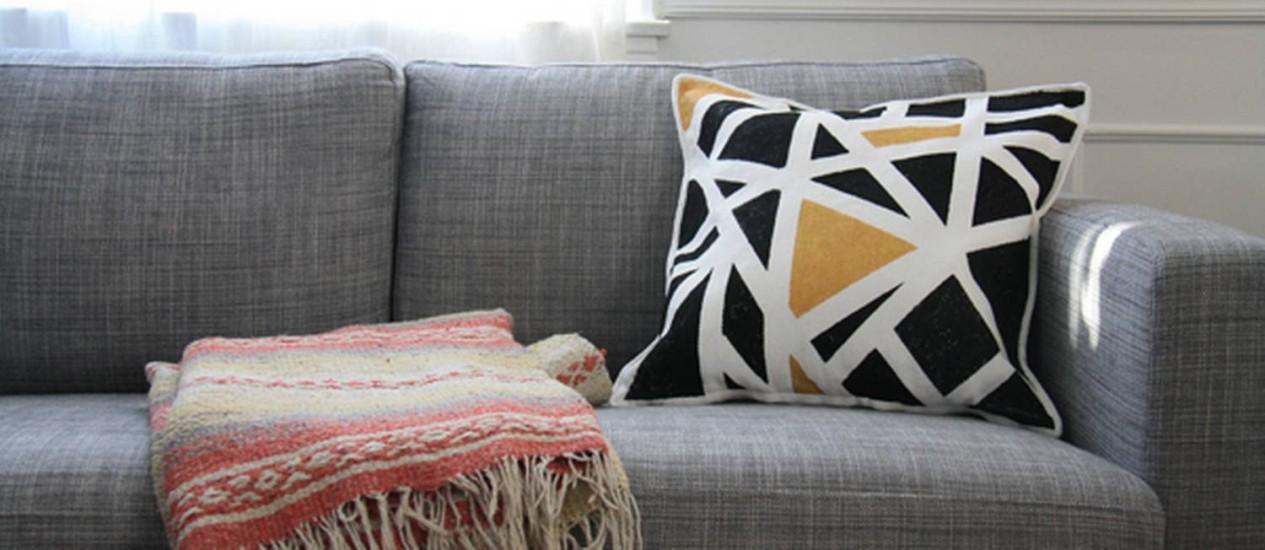 Veja como fazer uma almofada geométrica personalizada Foto: Blog Drifter and the gypsy