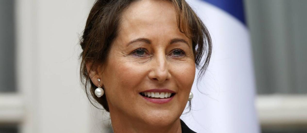 Ségolène Royal na cerimônia de entrega oficial do Ministério da Ecologia Foto: CHARLES PLATIAU / REUTERS