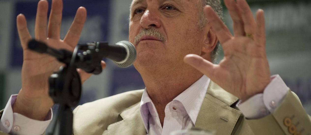 Felipão antecipou oito nomes para a seleção brasileira na Copa do Mundo Foto: Nelson Almeida / AFP