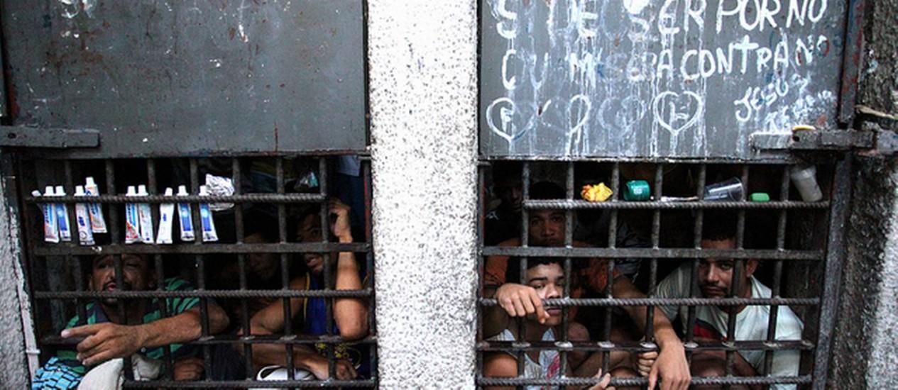 Foto tirada durante o Mutirão Carcerário, do CNJ, na Superintendência de Polícia Civíl 4ª Delegacia Metropolitana, em Sergipe Foto: 28/03/2012 / Luiz Silveira/Agência CNJ