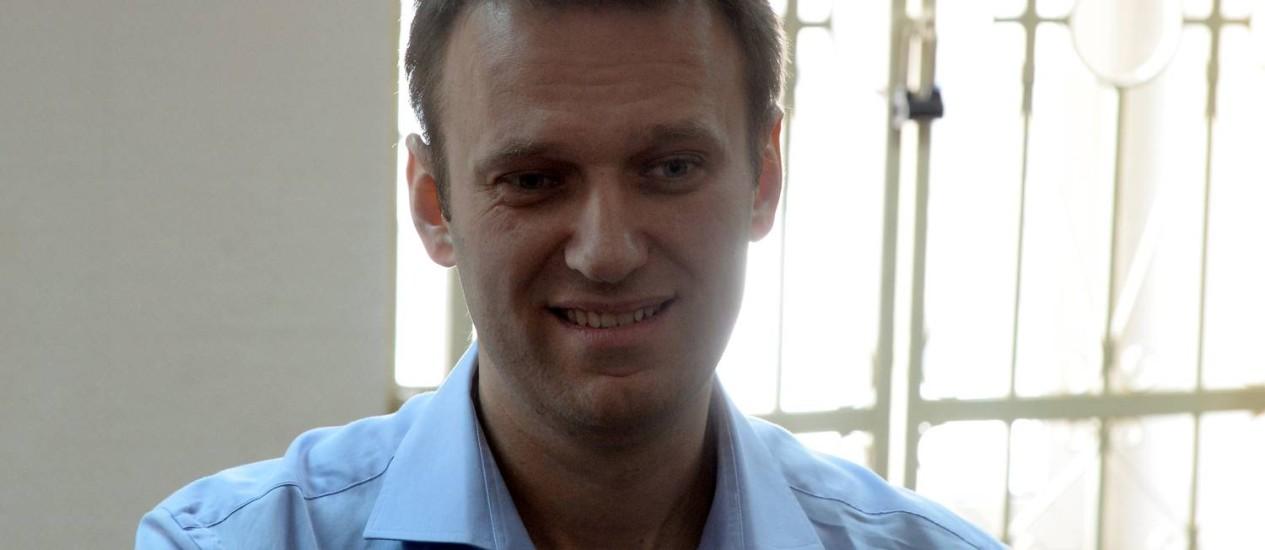 Líder da oposição, Alexei Navalny espera julgamento na Rússia por acusações de fraude e apropriação indébita. Ele afirma ser perseguido pelo Kremlin Foto: Vasily Maximov / AFP