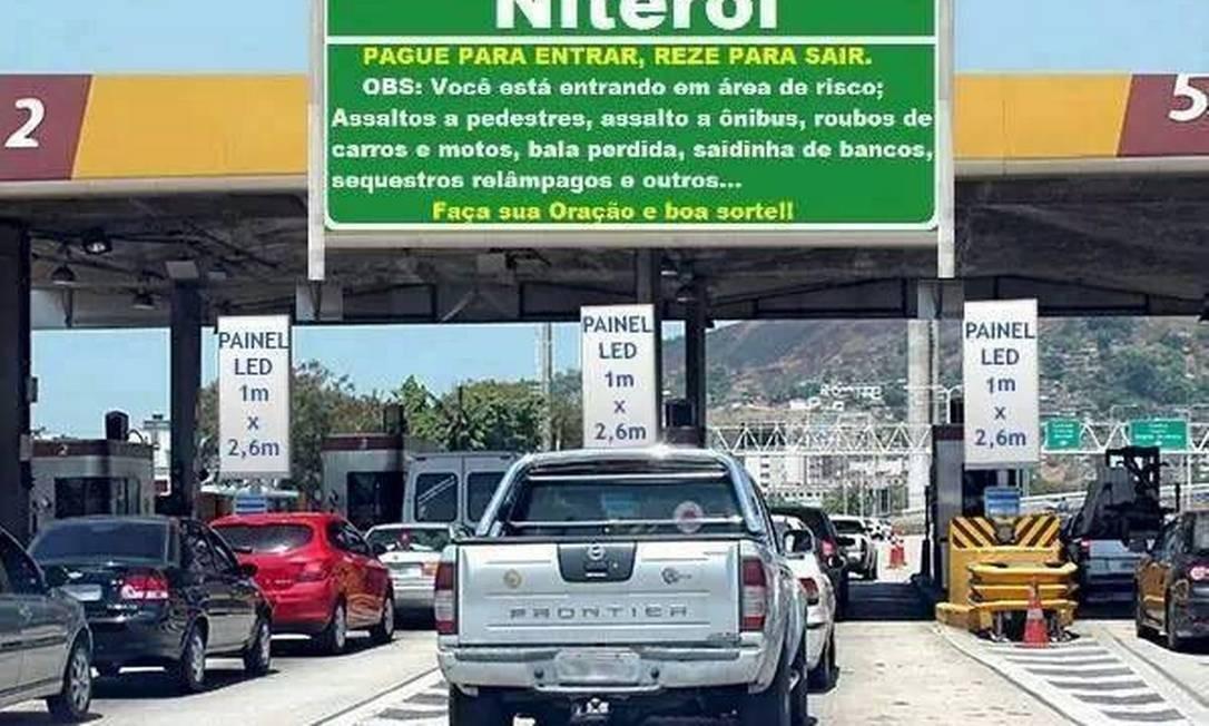 Montagem coloca placa alertando os perigos da cidade na praça do pedágio da Ponte Rio-Niterói Foto: Reprodução / da Internet